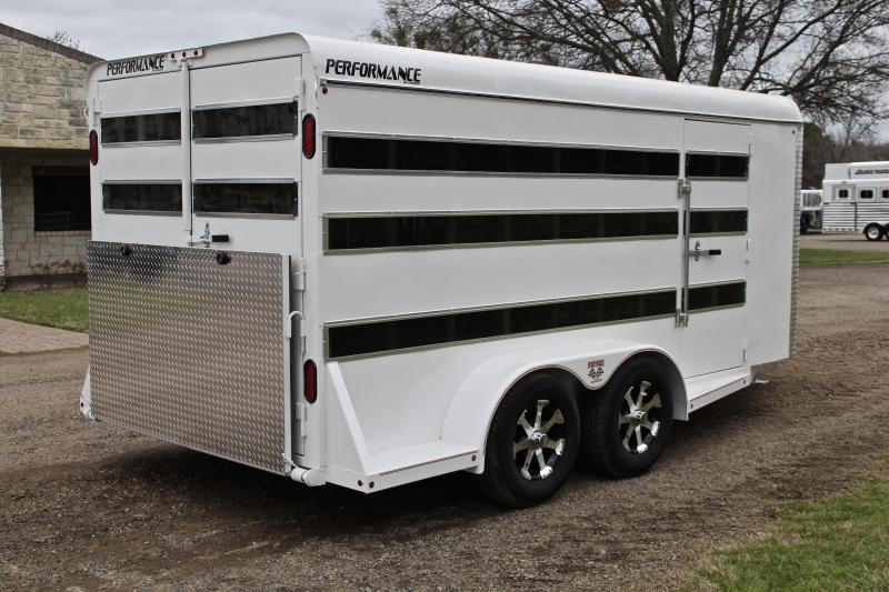 2019 Performance 16ft Low Pro with 6 Pens and Tack Room