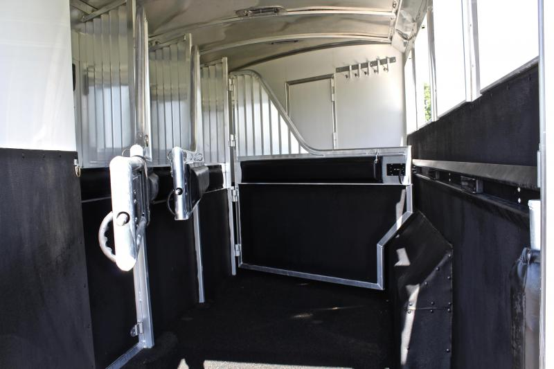 2014 4-Star 4 Horse 13ft Shortwall by Outlaw Conversions