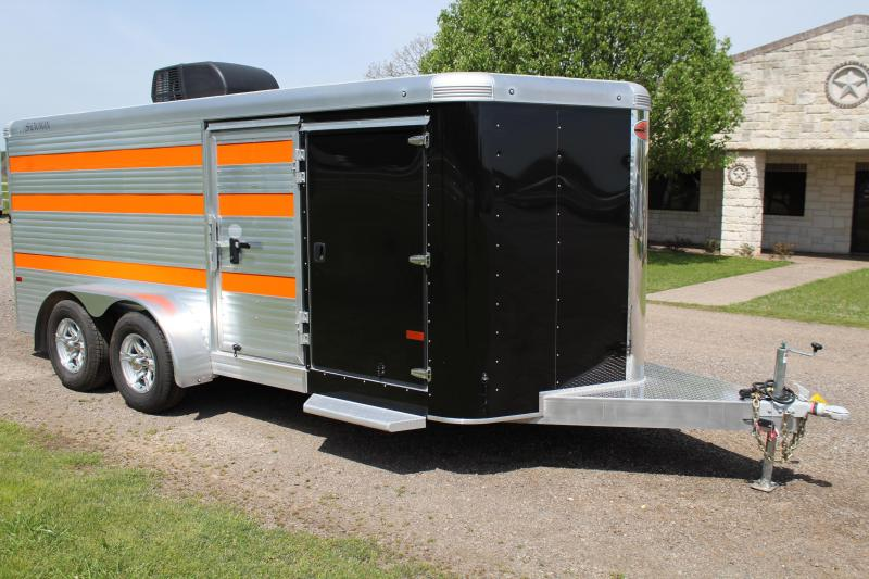 2020 Sundowner 6 Pen with AC and Insulated Roof