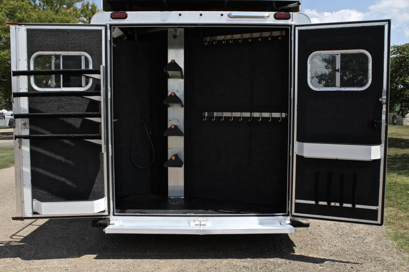 2017 Elite  4 Horse 13' Living Quarters Resistol Edition Side Load