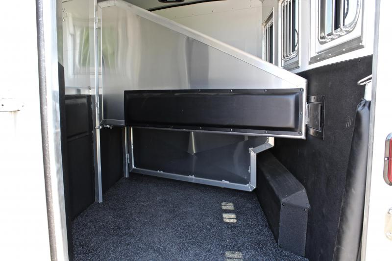 2018 Exiss 12ft Shortwall with Slide- Drop Windows on Hip