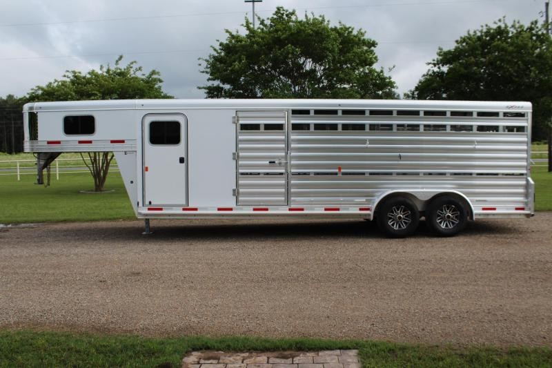 2019 Exiss 24ft Show Cattle Combo with Side Ramp in Tack