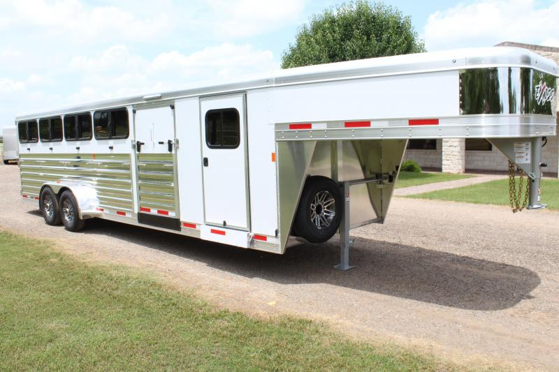 2019 Exiss Low Pro with 6ft Tack Room and 10 Pens