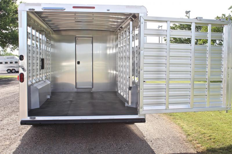 2019 Exiss 8.5ft Shortwall Stock Living Quarter with Midtack