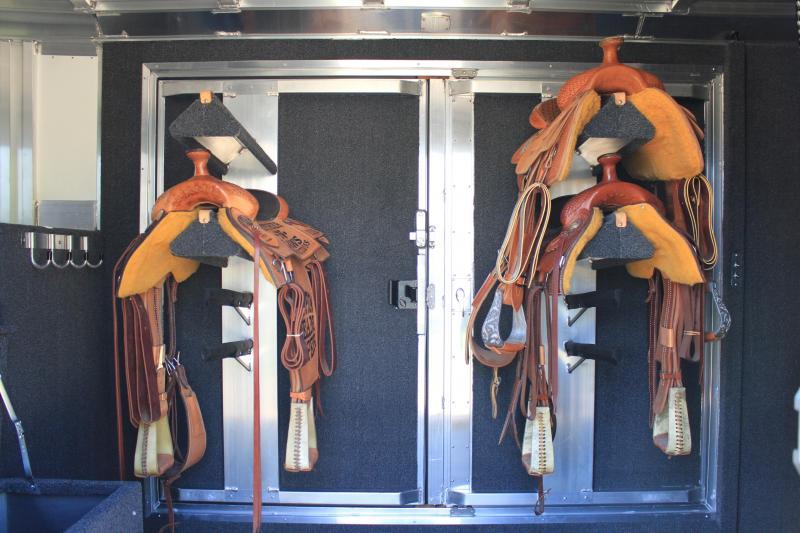 2018 Elite Roper Special 4 Horse with Double Door Tack