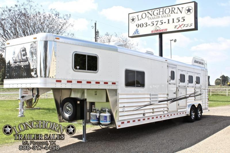 2019 Elite 4 Horse 10.8ft Shortwall with Mangers