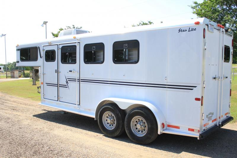 2000 Starlite 3 Horse with 4ft Tack Room and AC