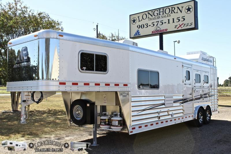 2019 Elite 3 Horse with 10.8' Shortwall by TrailBoss