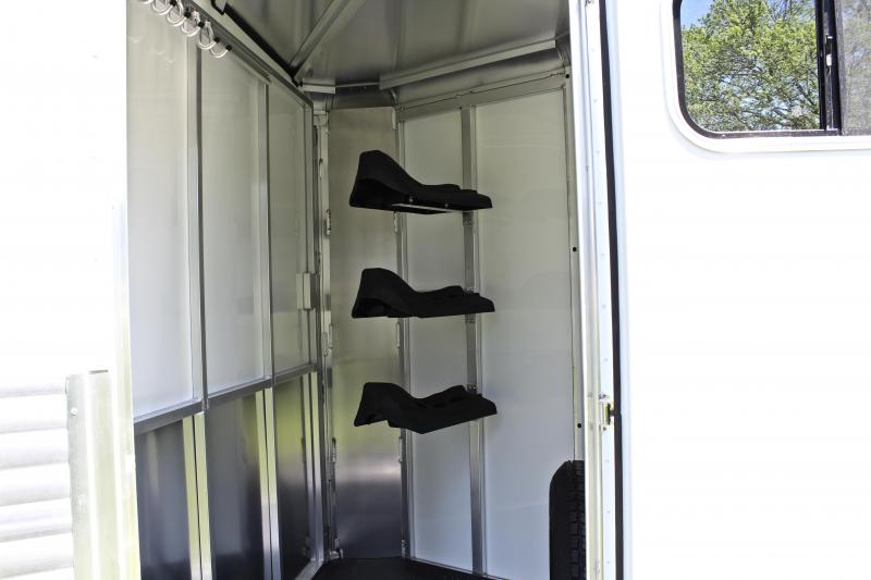 2019 Sundowner 3 Horse Bumper Pull with Front Tack Room