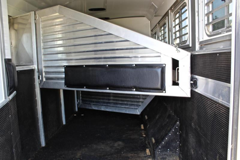 2014 Elite 4 Horse 15ft Shortwall with 10ft Slide Out