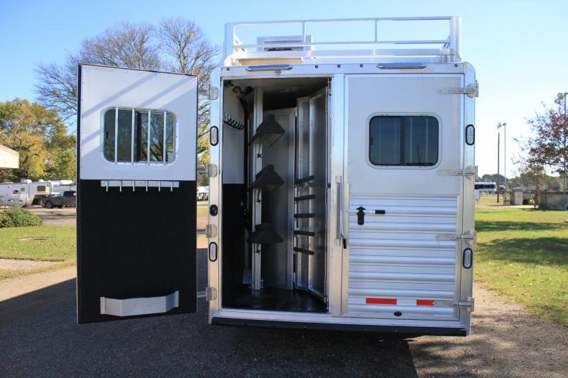 2019 Sooner 3 Horse 13ft Shortwall with Generator