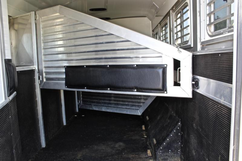 2014 Elite 4 Horse 15ft Shortwall with 10ft Slide
