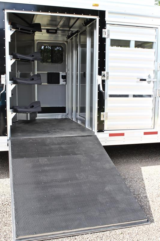 2018 Exiss 8.5ft Shortwall Stock Living Quarter with Midtack