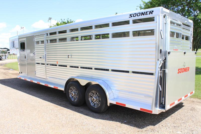 2019 Sooner 24ft Show Cattle Combo w/ 4 pen System/ Side & Rear Ramp