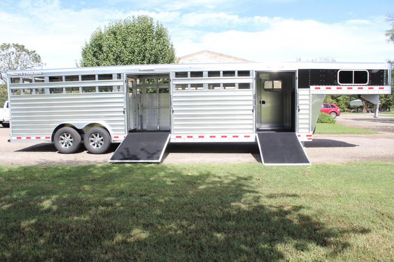 2019 Elite 28ft Show Cattle Double Side Ramp with Hyd. Jack
