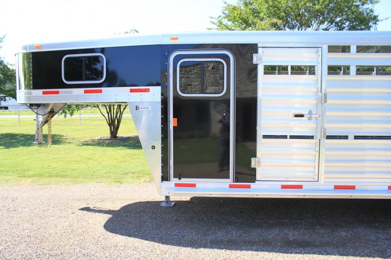 2019 Exiss  24ft Stock Combo with 4ft Tack and Saddle Rack