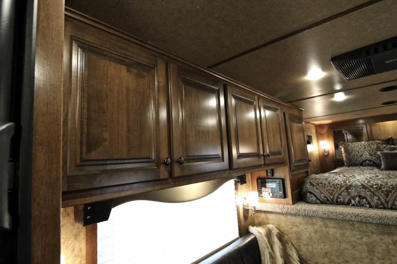 2018 Exiss 10.5ft Shortwall Stock Living Quarter with Midtack