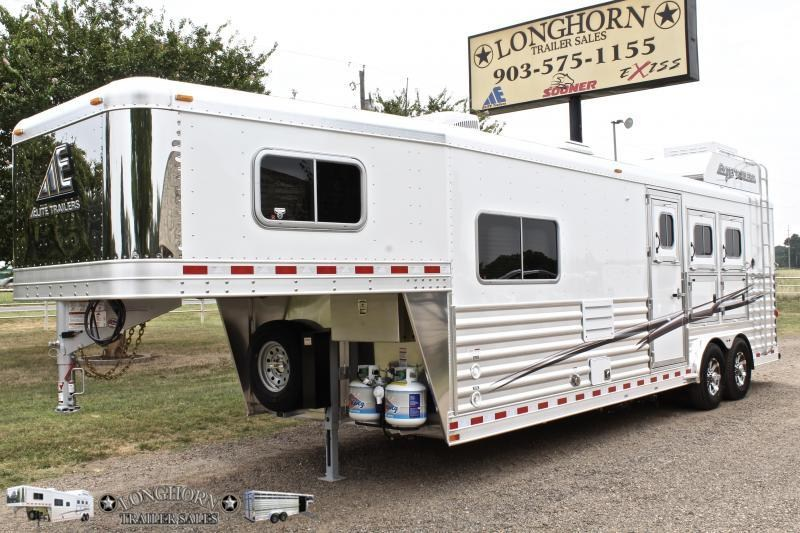 2019 Elite 3 Horse 10.8ft Shortwall with Mangers