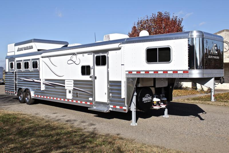 2019 Elite 4 Horse 15ft Living Quarter with Slide Out