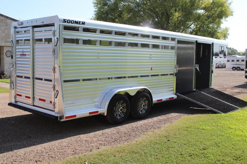 2020 Sooner 24ft Show Cattle Combo with Two Side Ramps