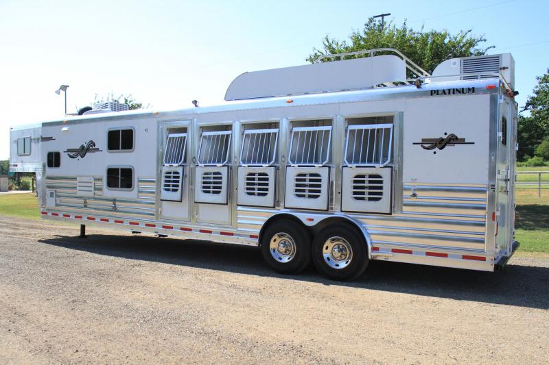 2008 Platinum Coach 5 Horse 15 Ft Outlaw Lq w/ Bunks