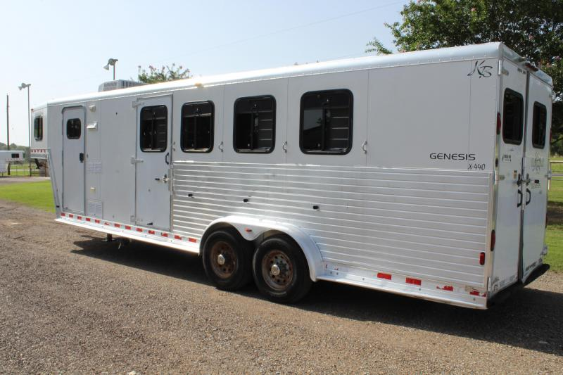 2000 Kiefer Built 4 Horse with 8 Shortwall