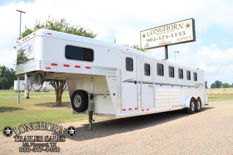 2009 4-Star 6 Horse Trainer Trailer