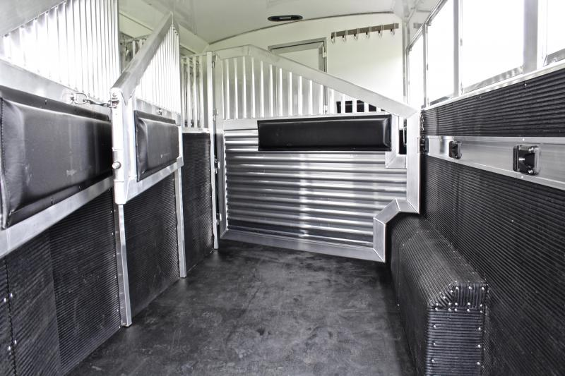 2019 Elite 4 Horse 14ft Shortwall with Slide by Trail Boss
