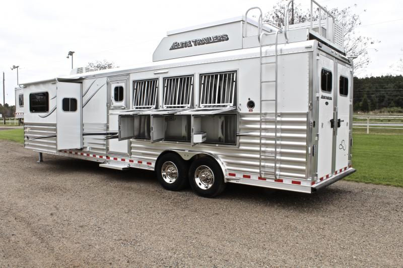 2018 Elite 4 Horse 14ft Shortwall with Slide by Trail Boss