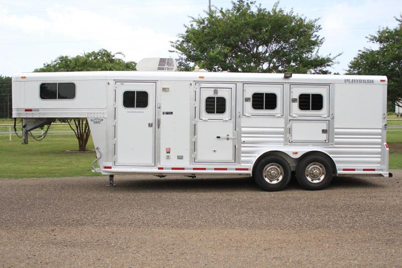 2014 Platinum 3 Horse 6ft LQ with Mangers