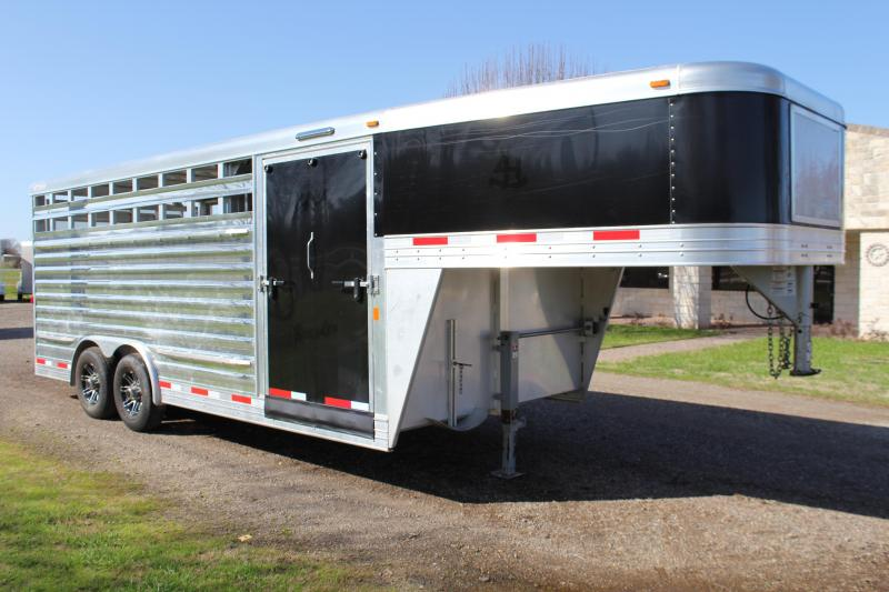 2017 Exiss 8ft x 20ft Show Cattle with Floating Gate