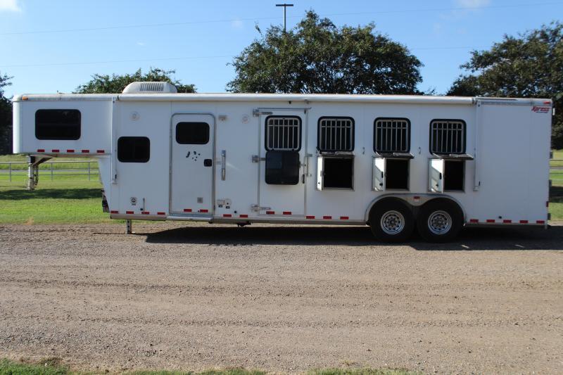 2005 Kiefer Built 4 Horse 10' LQ with Mangers Horse Trailer