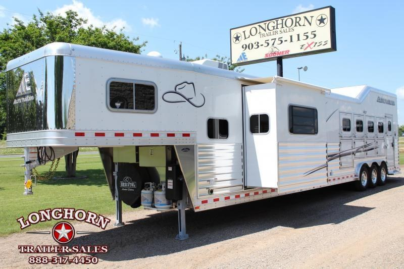2019 Elite 5 Horse 15ft Shortwall Reverse Load with Slide  in Ashburn, VA
