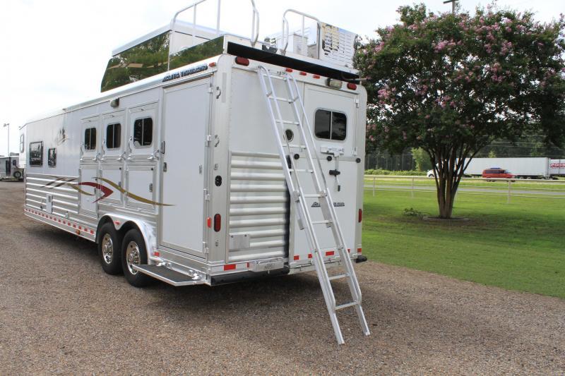 2012 Elite 3 Horse 12.8ft Living Quarter by Trail Boss