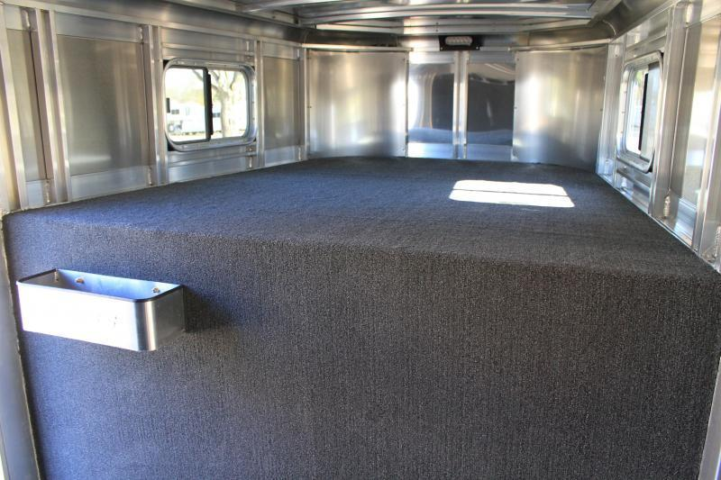 2019 Exiss 24ft show cattle combo w/ side ramp