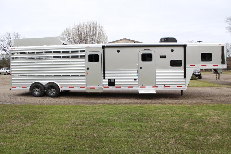 2019 Exiss 10.5ft Shortwall Stock Living Quarter with Bunk Livestock Trailer