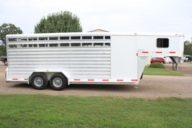 2012 Exiss 20ft Stock Combo with 4ft Tack Room