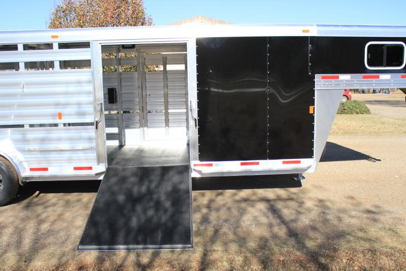 2018 Exiss 24 show cattle combo w/ side ramp