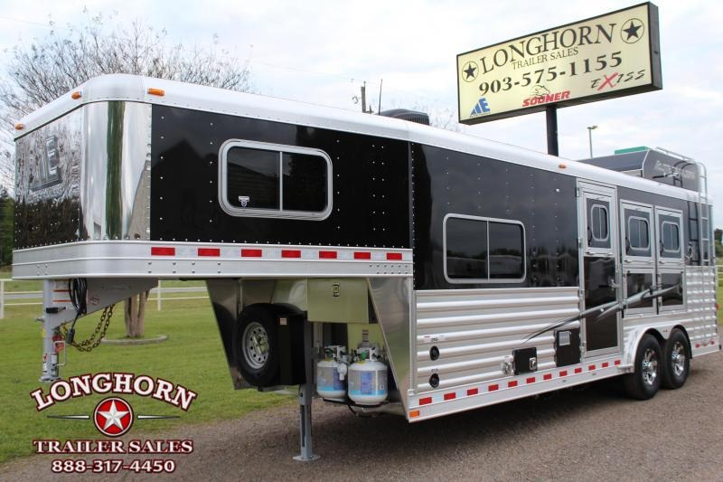 2019 Elite 3 Horse 8.8ft Shortwall with Generator