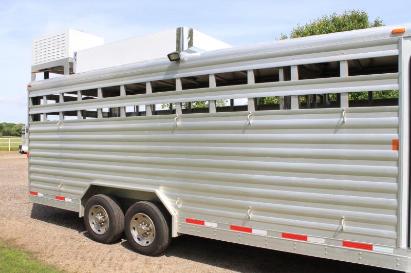 2013 Exiss Sock Combo w/ 8 Lq / Generator Livestock Trailer