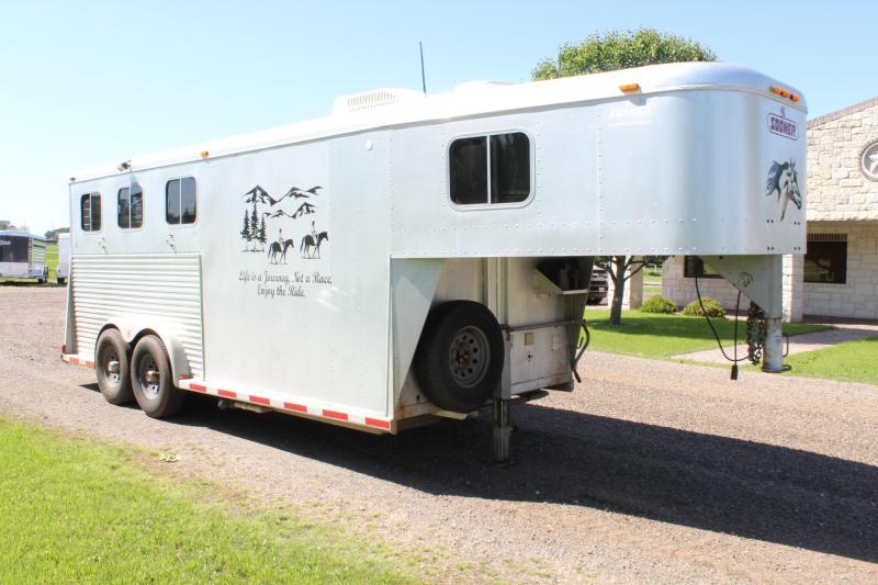 1997 Sooner 3 Horse with Weekend Package