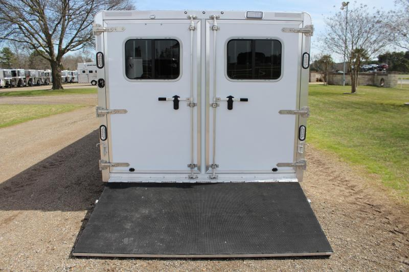 2019 Sooner 26ft Low Pro with 10 Pen System and 8ft Wide