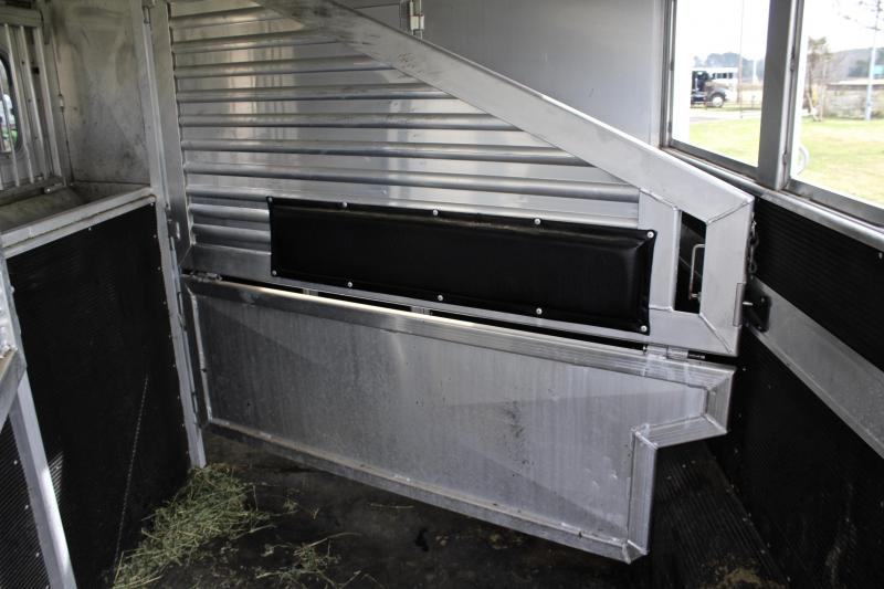 2011 Elite 3 Horse 8.8ft Shortwall with Mangers