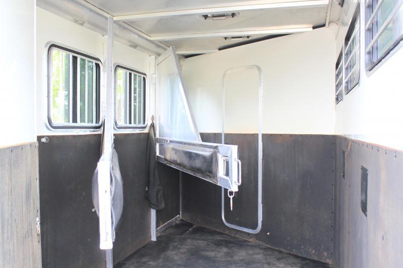 2007 Blue Ribbon 3 Horse 9 Living Quarter