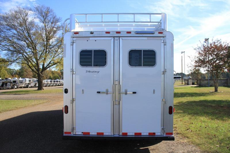 """2020 Elite 2 Horse 8'8"""" Shortwall with Mangers"""