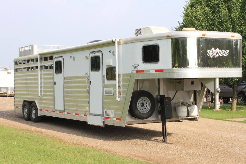 2013 Exiss Trailers 8 Living Quarte Stock Combo w/ Mid Tack Livestock Trailer