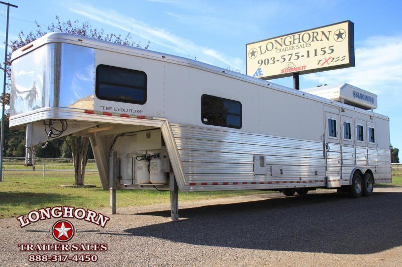 2007 Bloomer 4 Horse 15 LQ/ Pod & Generator Horse Trailer in Ashburn, VA