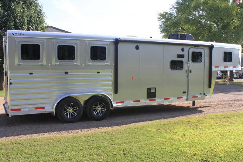 2019  Exiss 3 Horse with 10.6ft Shortwall with Drop windows Both sides
