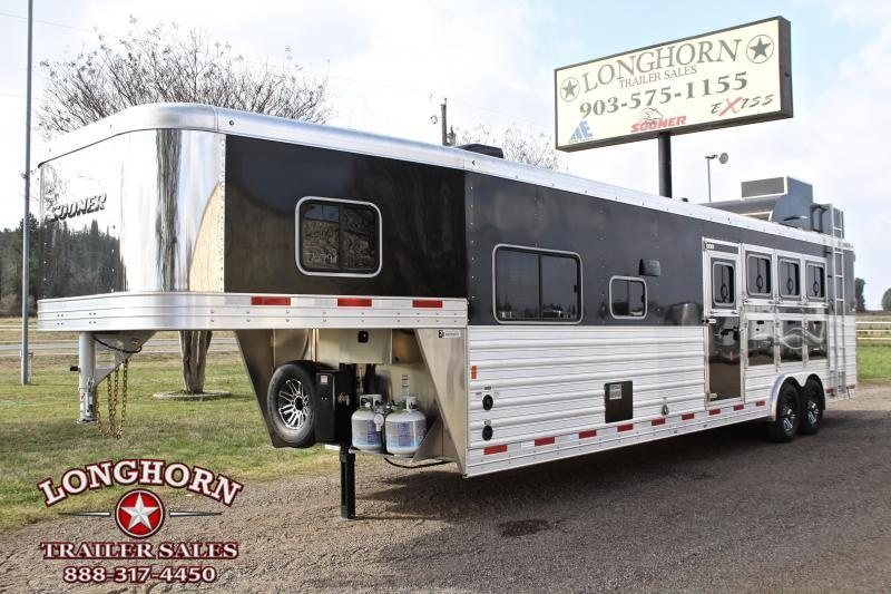 2019 Sooner 4 Horse 13ft Shortwall with Sofa/Half Dinette