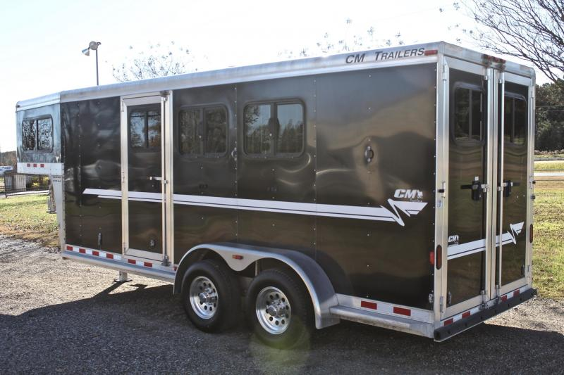2015 CM 3 Horse Gooseneck with 4ft Tack Room